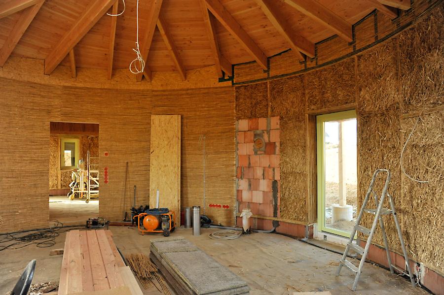 Holzständer-/Strohballenhaus